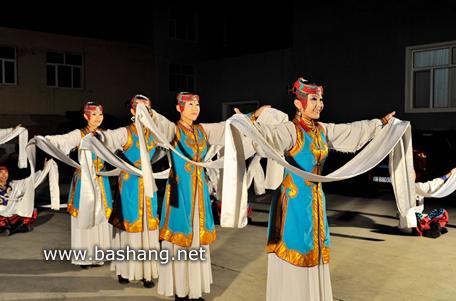 怡人山庄蒙古族演出