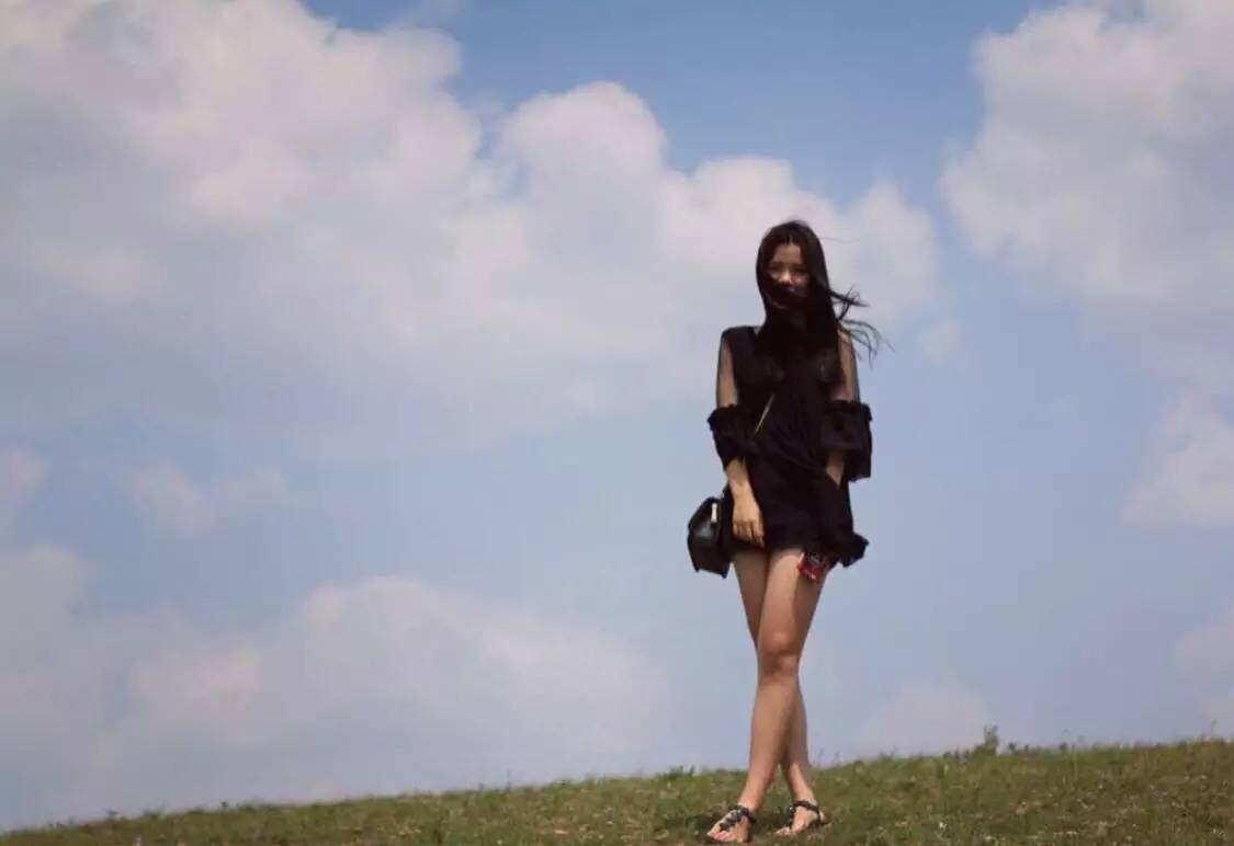 坝上草原的初夏,更像万物复苏的春天